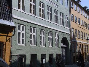 Larsbjomsstræede 8